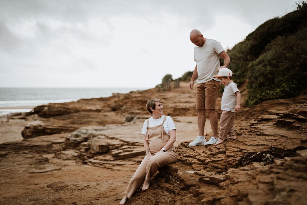 Photographe famille, photographe maternité, bord de mer, séance photo maternité, séance photo maternité en Vendée