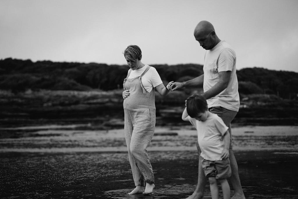 Séance photo maternité Vendée, photographe grossesse, Jema love photographie, lien mère-enfant, future maman